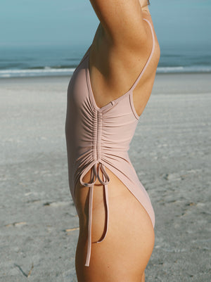 String one piece - Dusty