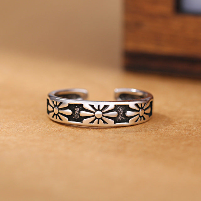 LuvCrazy Flower Ring - Nielsen Anchors