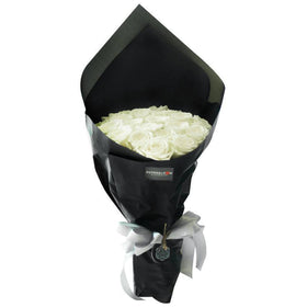 Black Pearl Dazzling White Small Bouquet