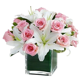 5 Marvelous White Lilies and 12 Pink Roses in Vase