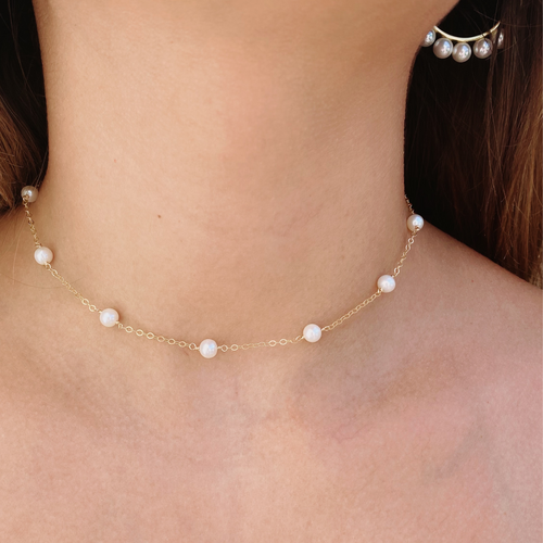 Dainty Pearl Gold Necklace