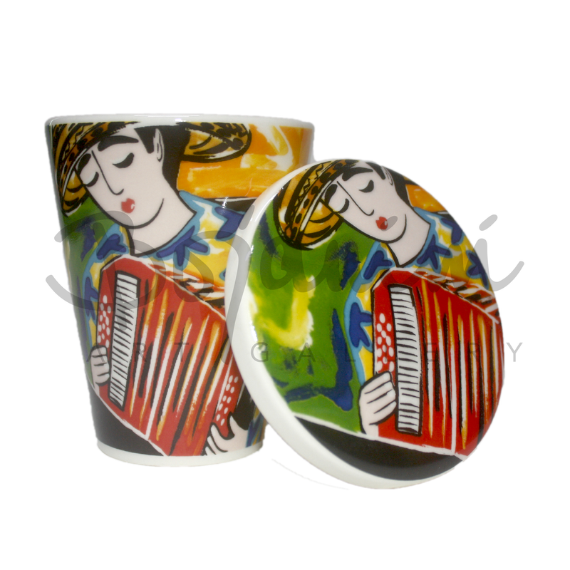 Painted musical Coffee mugs with lid in ceramic by bojanini
