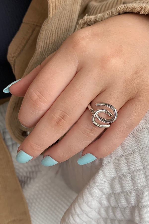 Hooked Ring