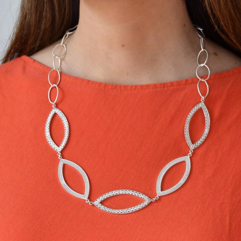 THEA NECKLACE LONG SILVER