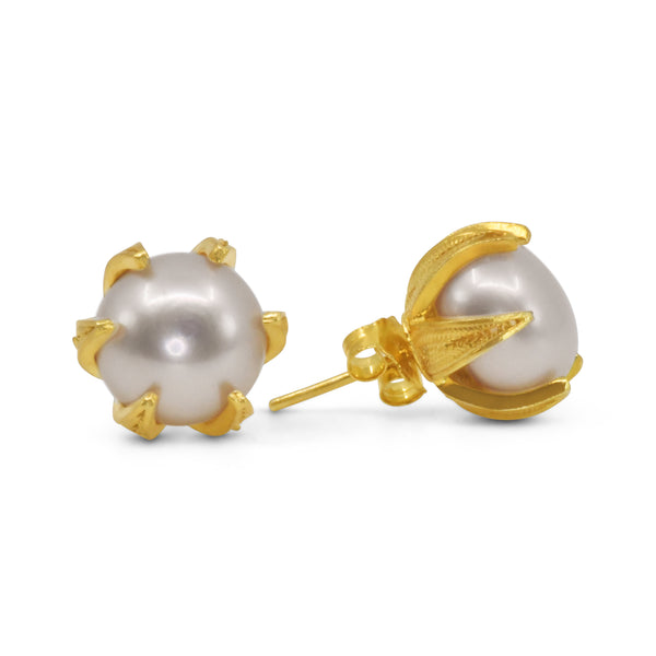 CAMILA PEARL STUD EARRINGS GOLD - Olmox