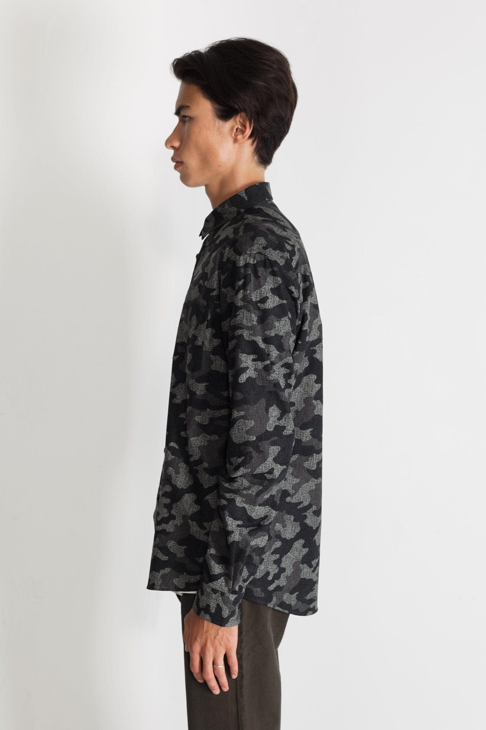 Japanese Camouflage Print in Grey 02