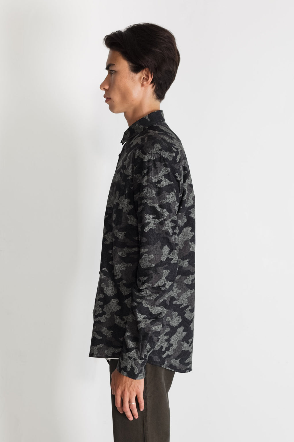 Japanese Camouflage Print in Grey 01