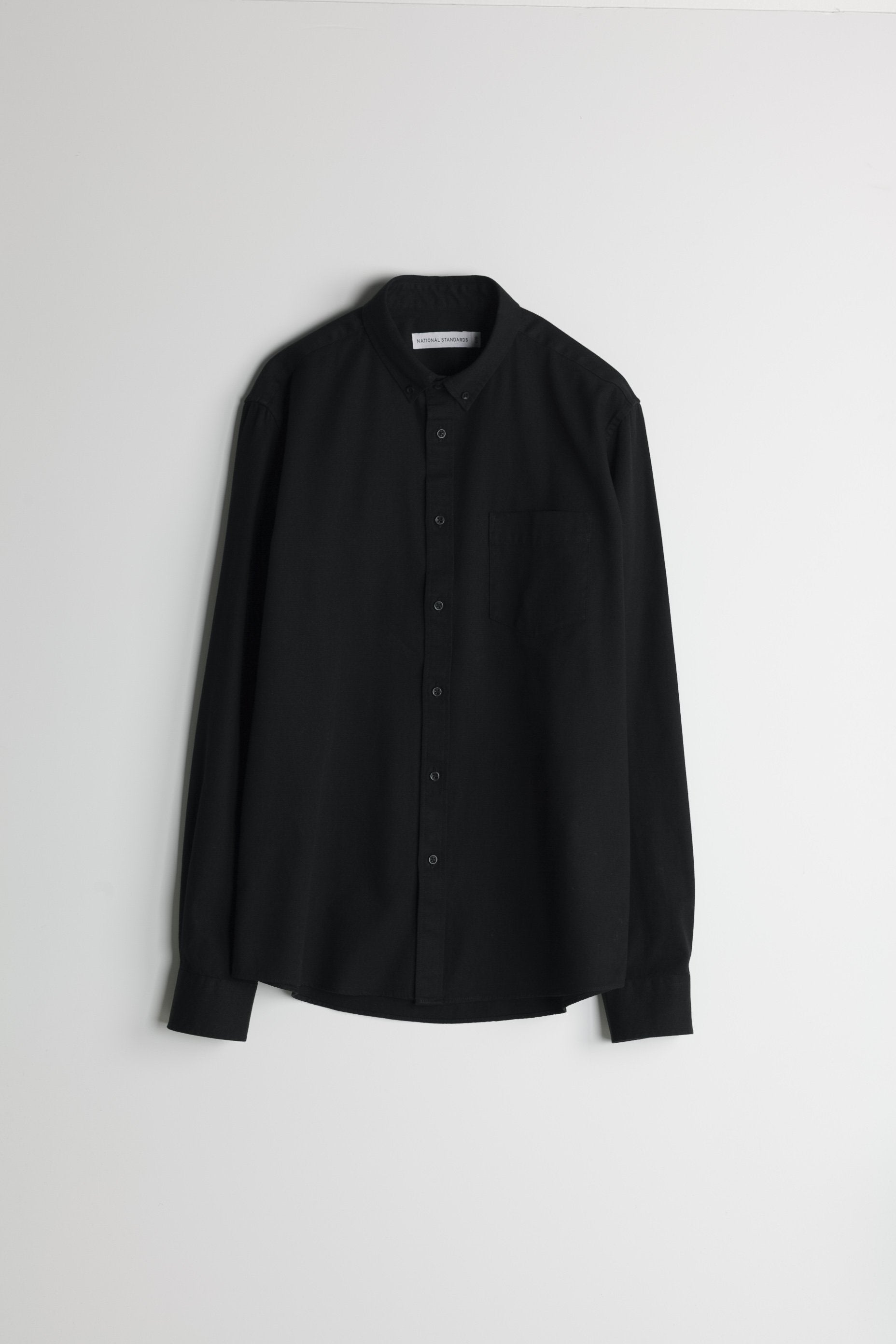 japanese-washed-oxford-in-black 001