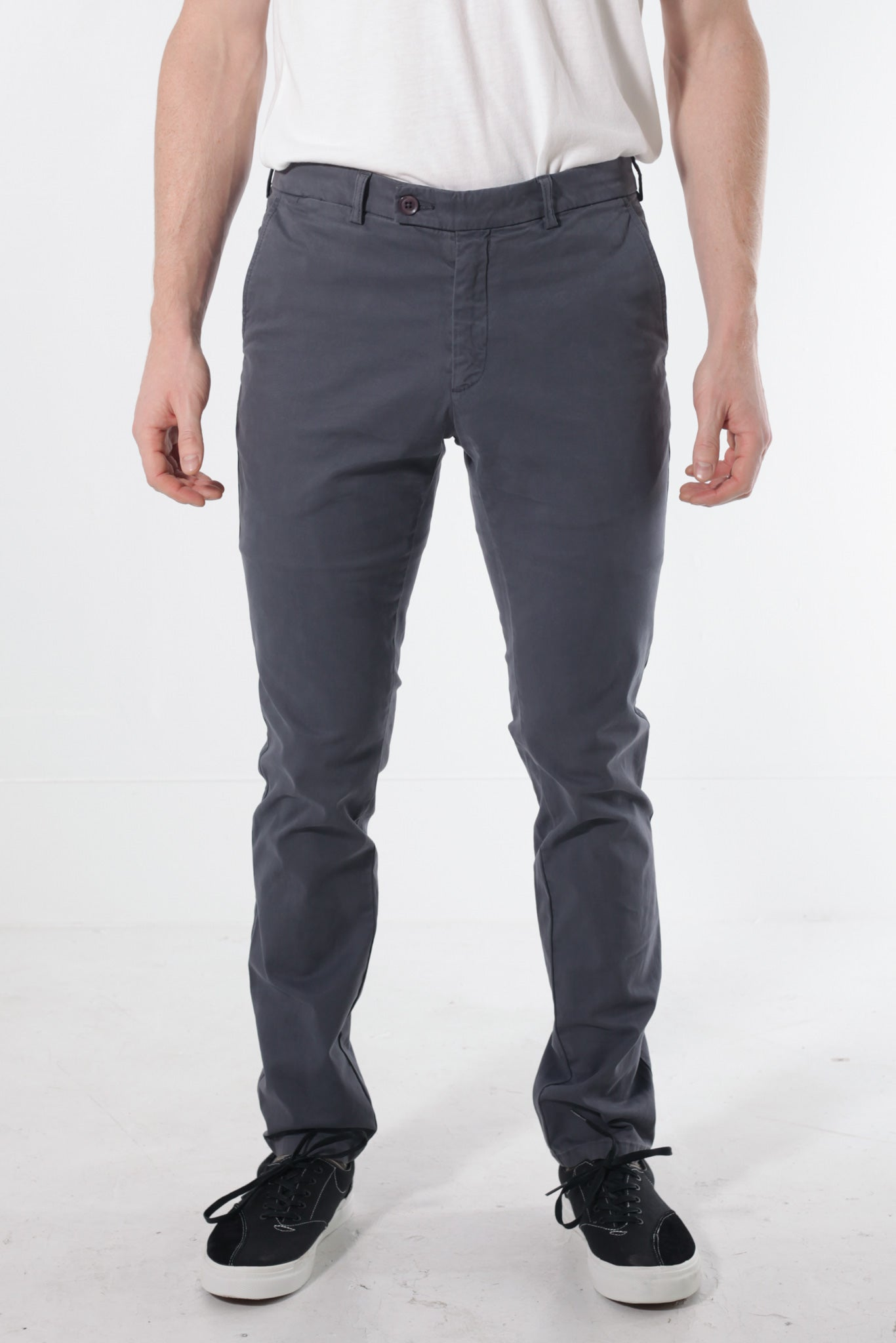 Stretch Chino in Shale