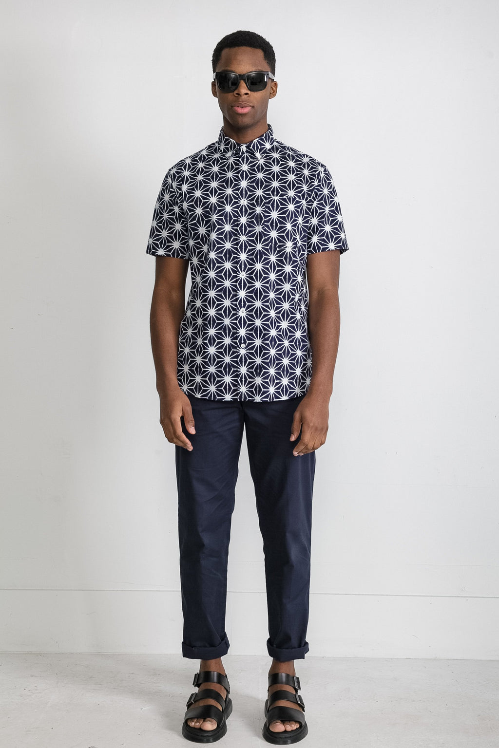 Japanese Asanoha Print in Navy and White 002