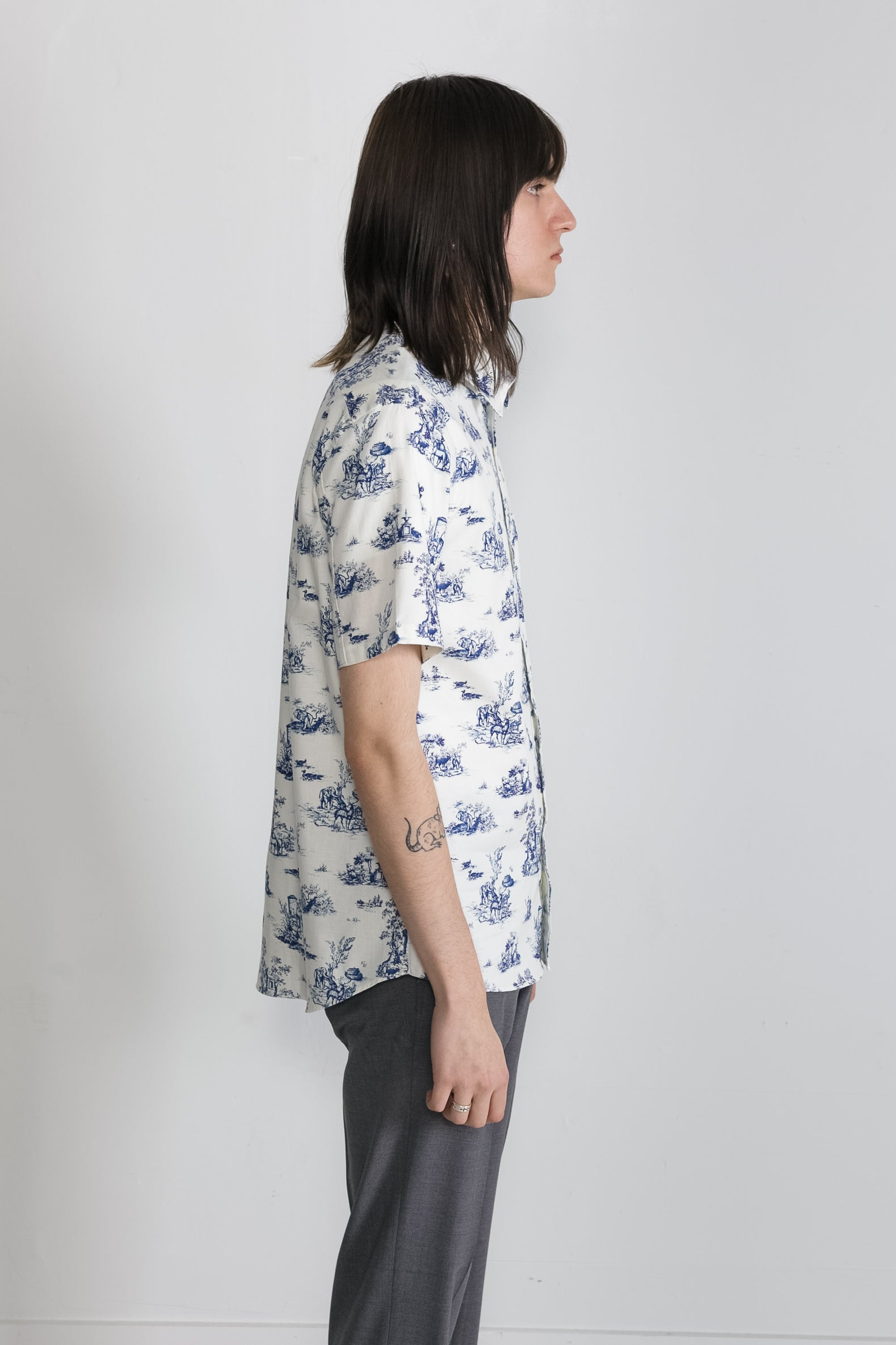 Japanese Safari Print in White and Blue 03