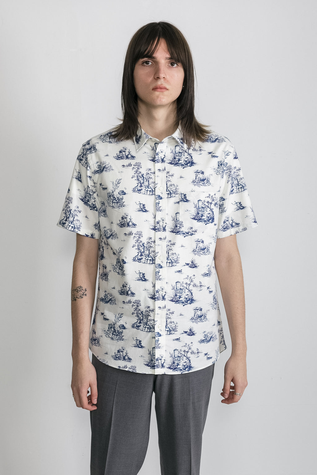 Japanese Safari Print in White and Blue 01