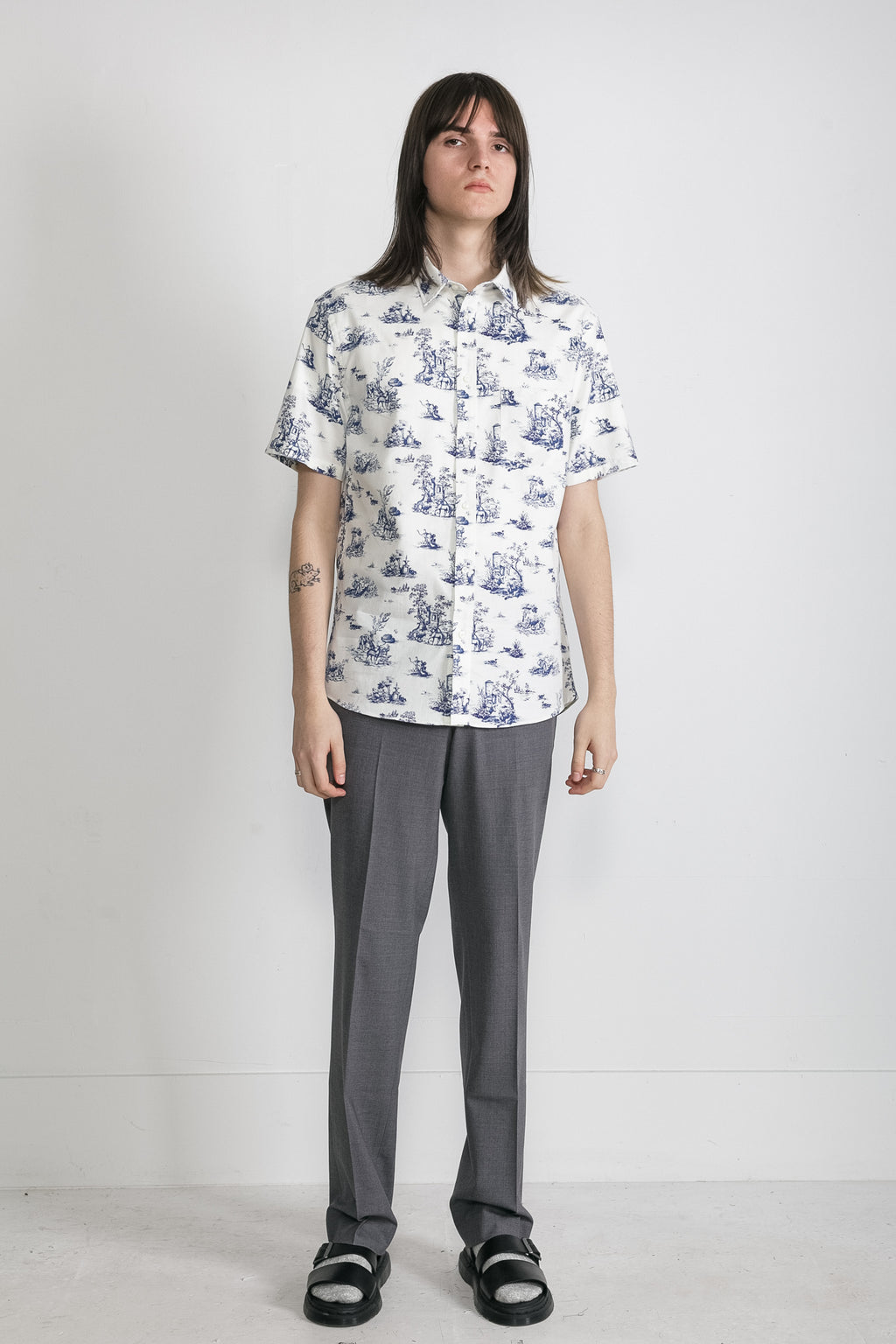 Japanese Safari Print in White and Blue 02
