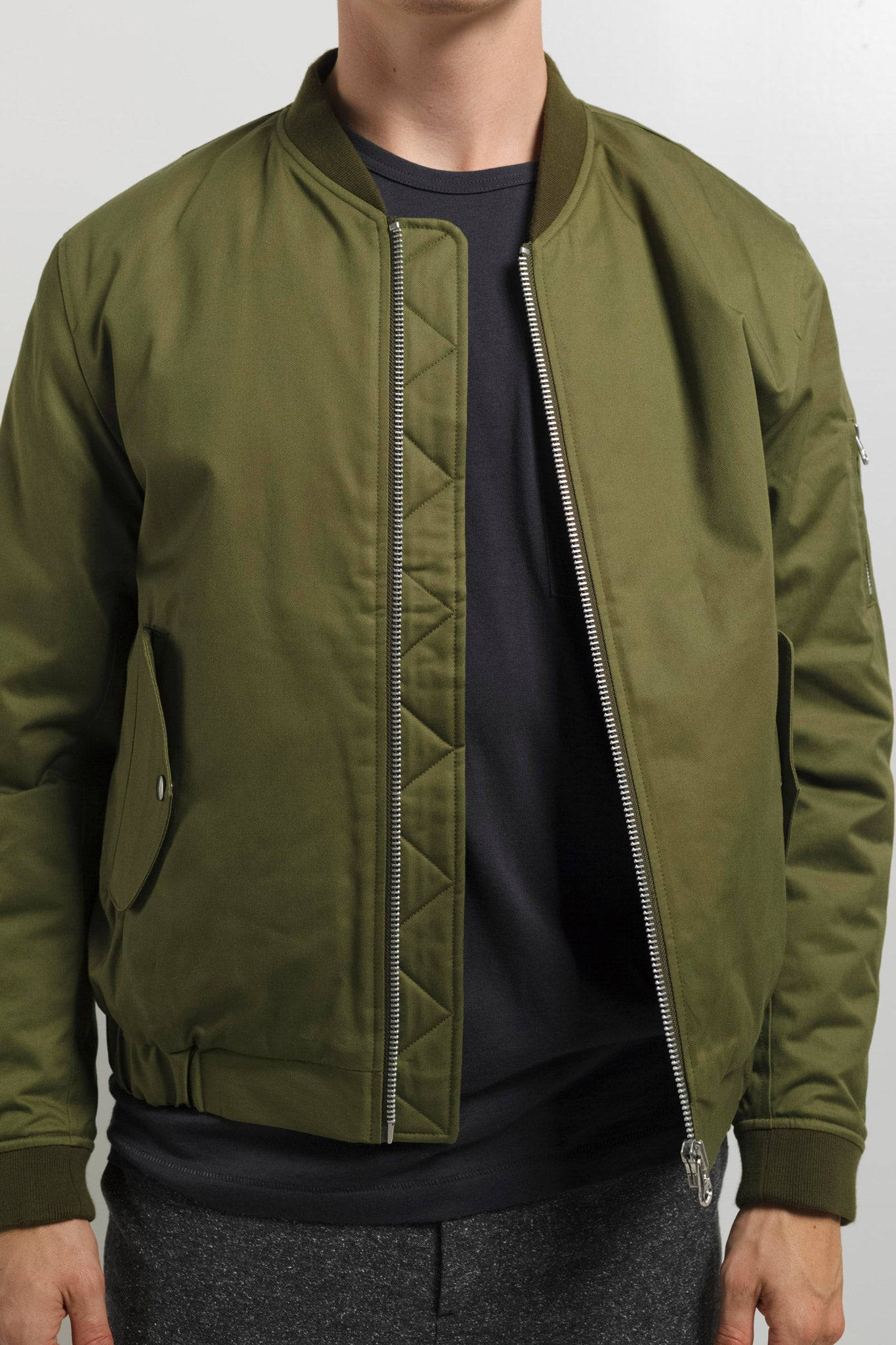 MA-1 Jacket in Green