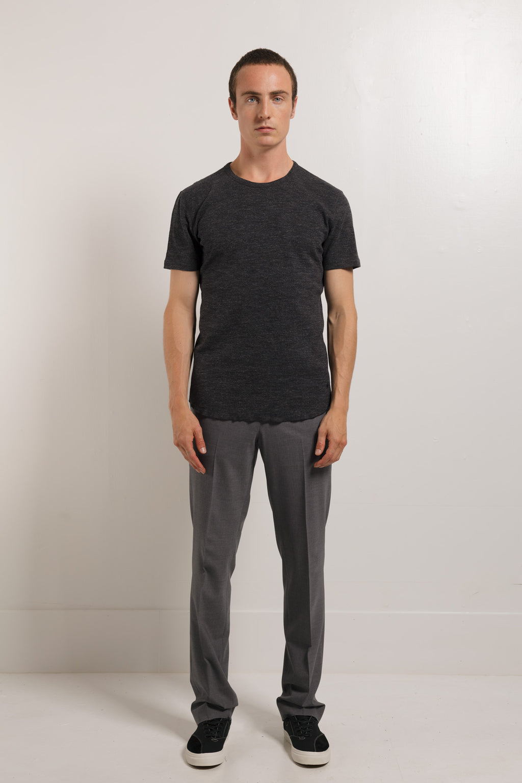 Slub 1x1 tee in Charcoal flat-lay