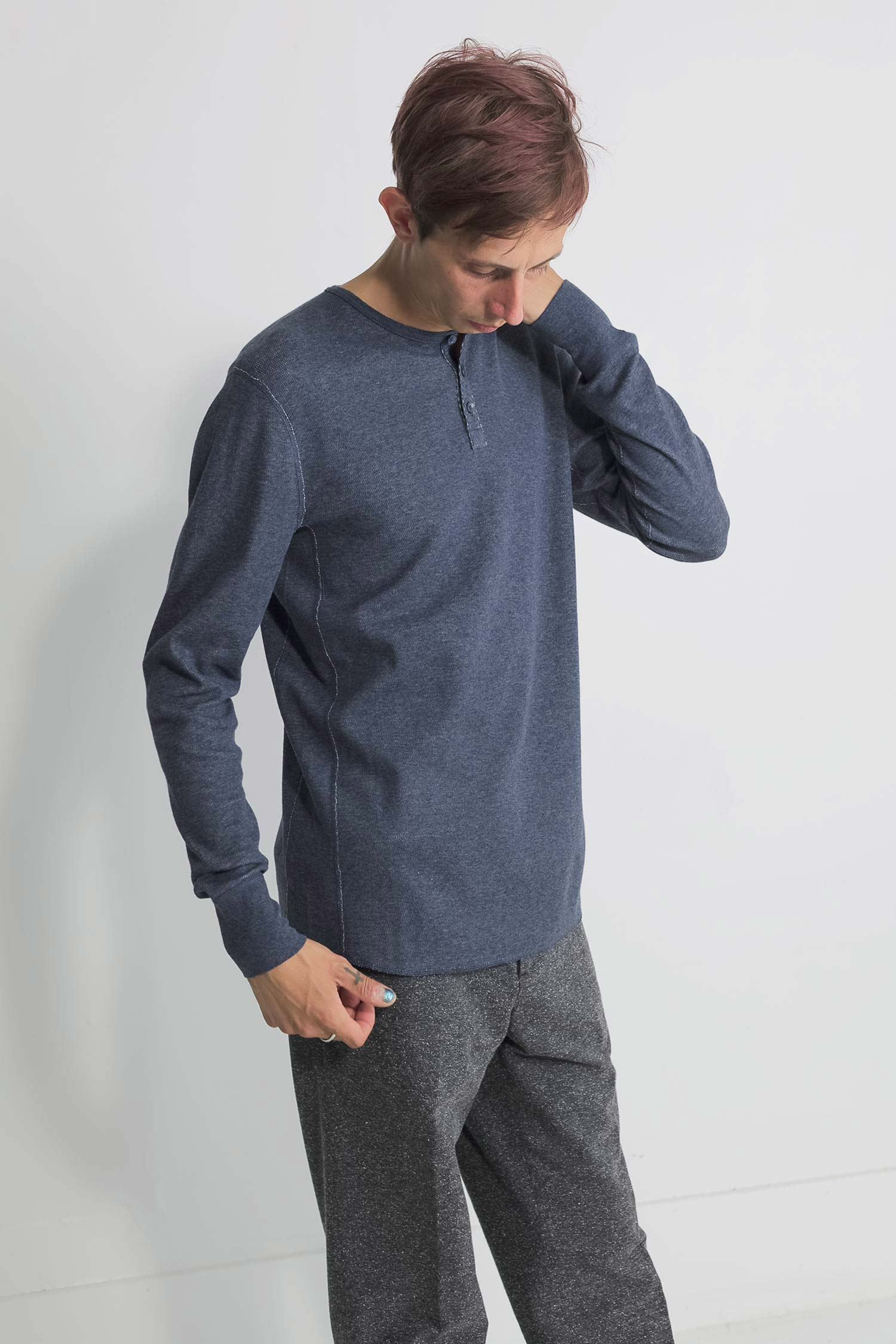 mesh thermal henley in navy 02