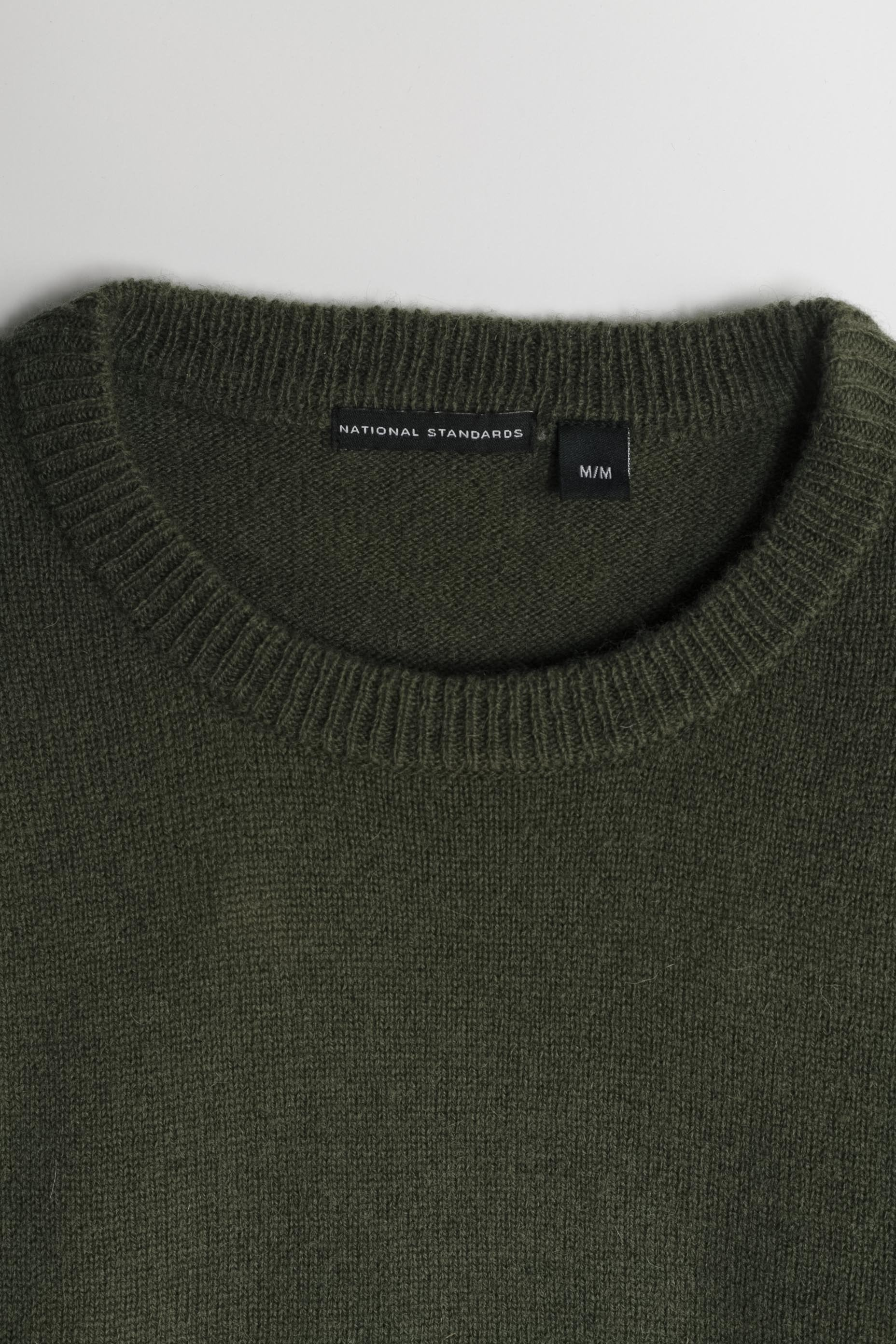 Lambswool Basic Crew in Army Green 02