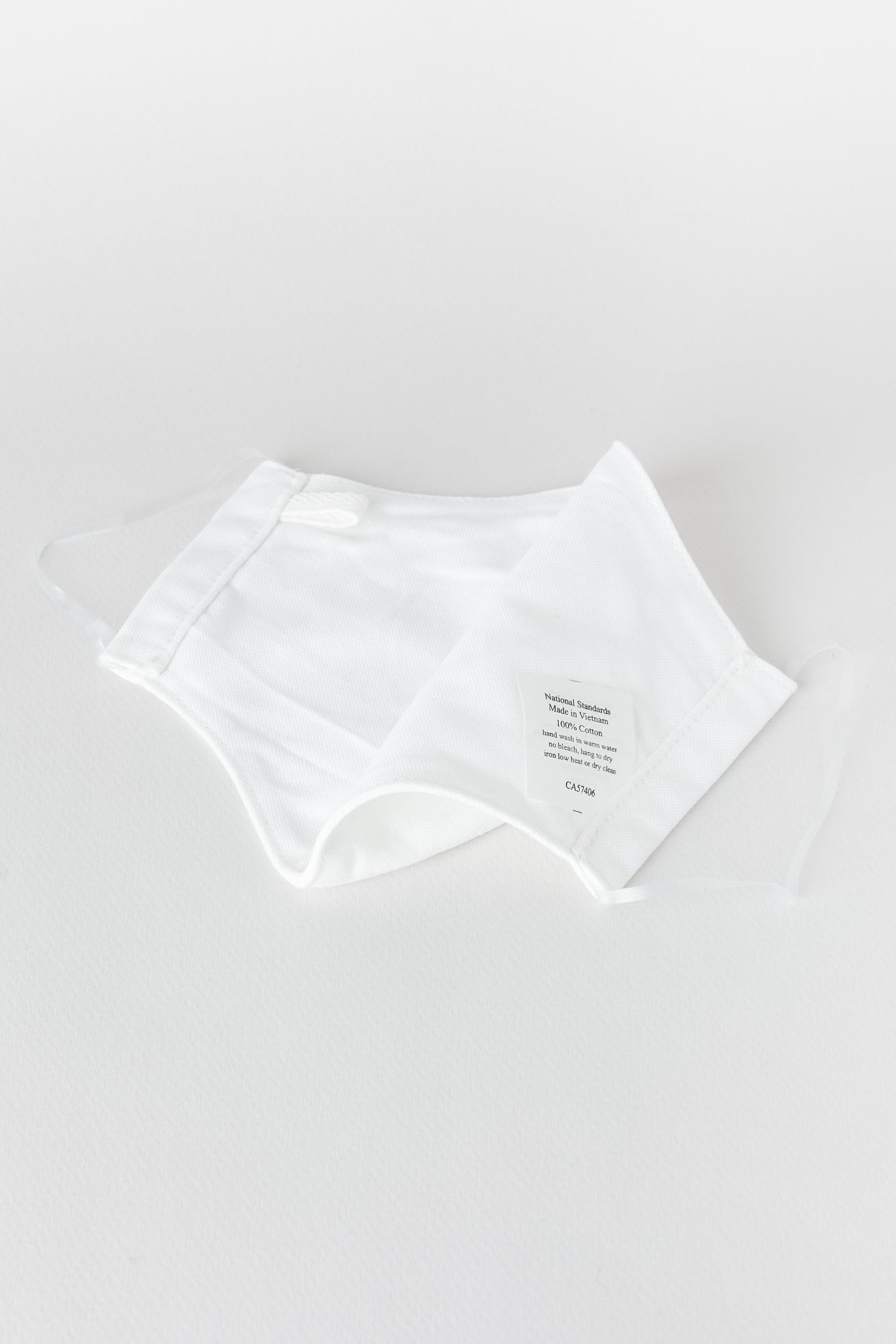 Japanese Oxford Face Mask in White 02