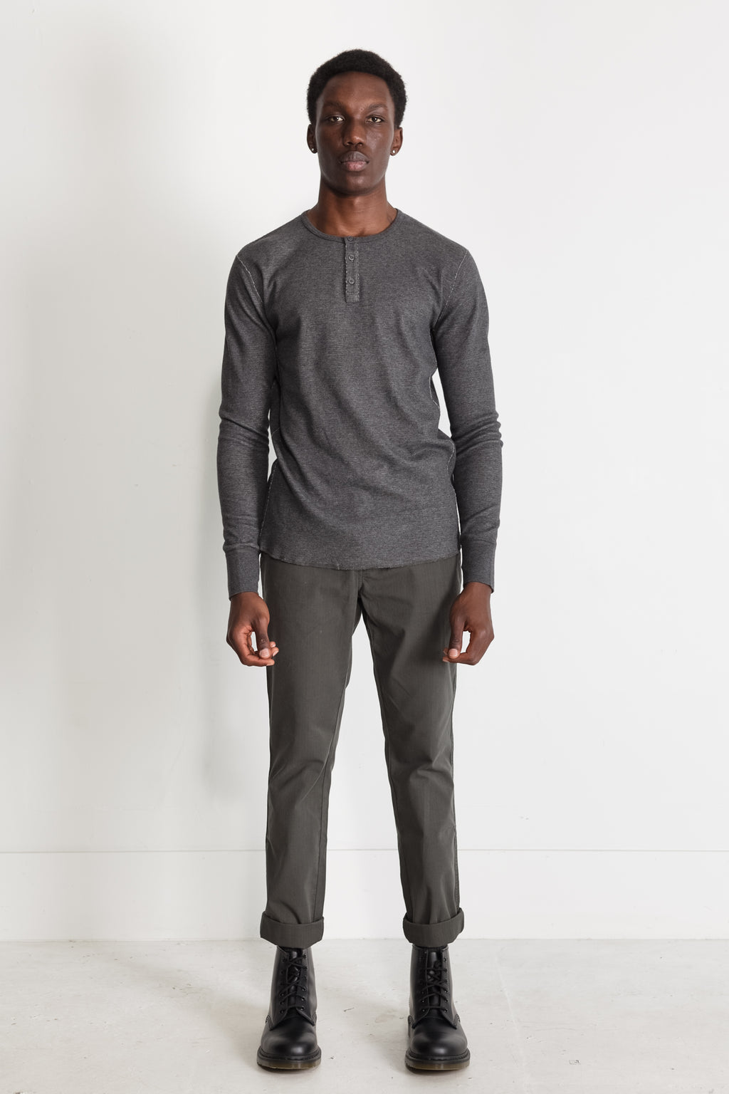 mesh thermal henley in melange charcoal 03