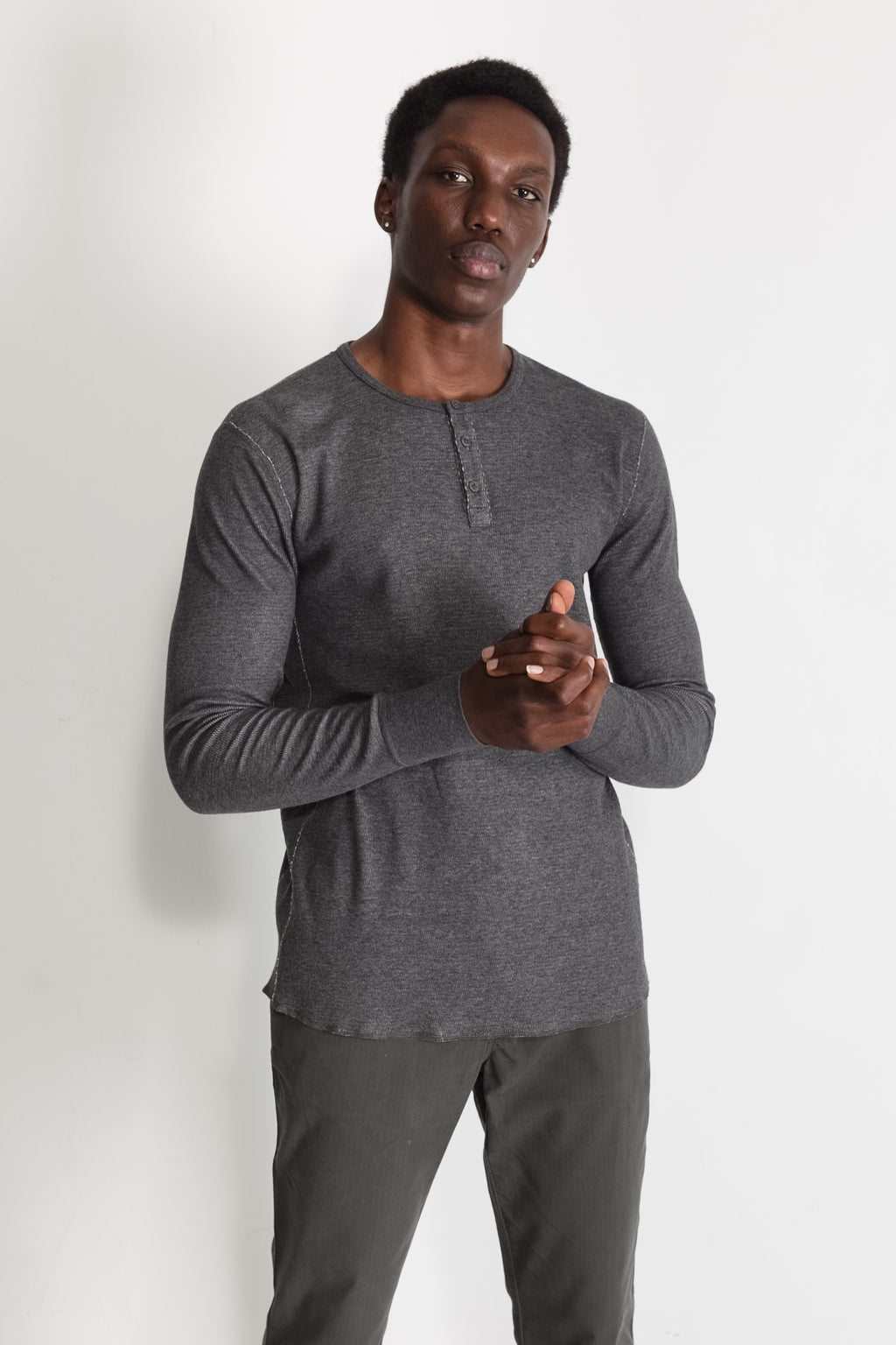 mesh thermal henley in melange charcoal 01