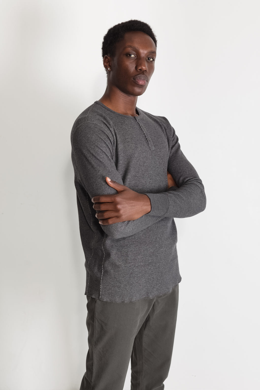 mesh thermal henley in melange charcoal 06