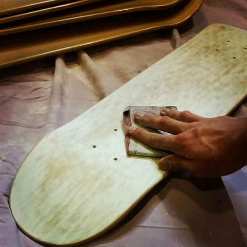 how to sand a skatetboard