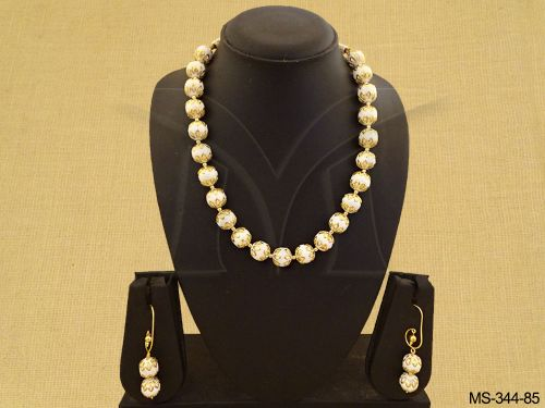 Creamy White Beaded Pearls Necklace With Drops Earrings