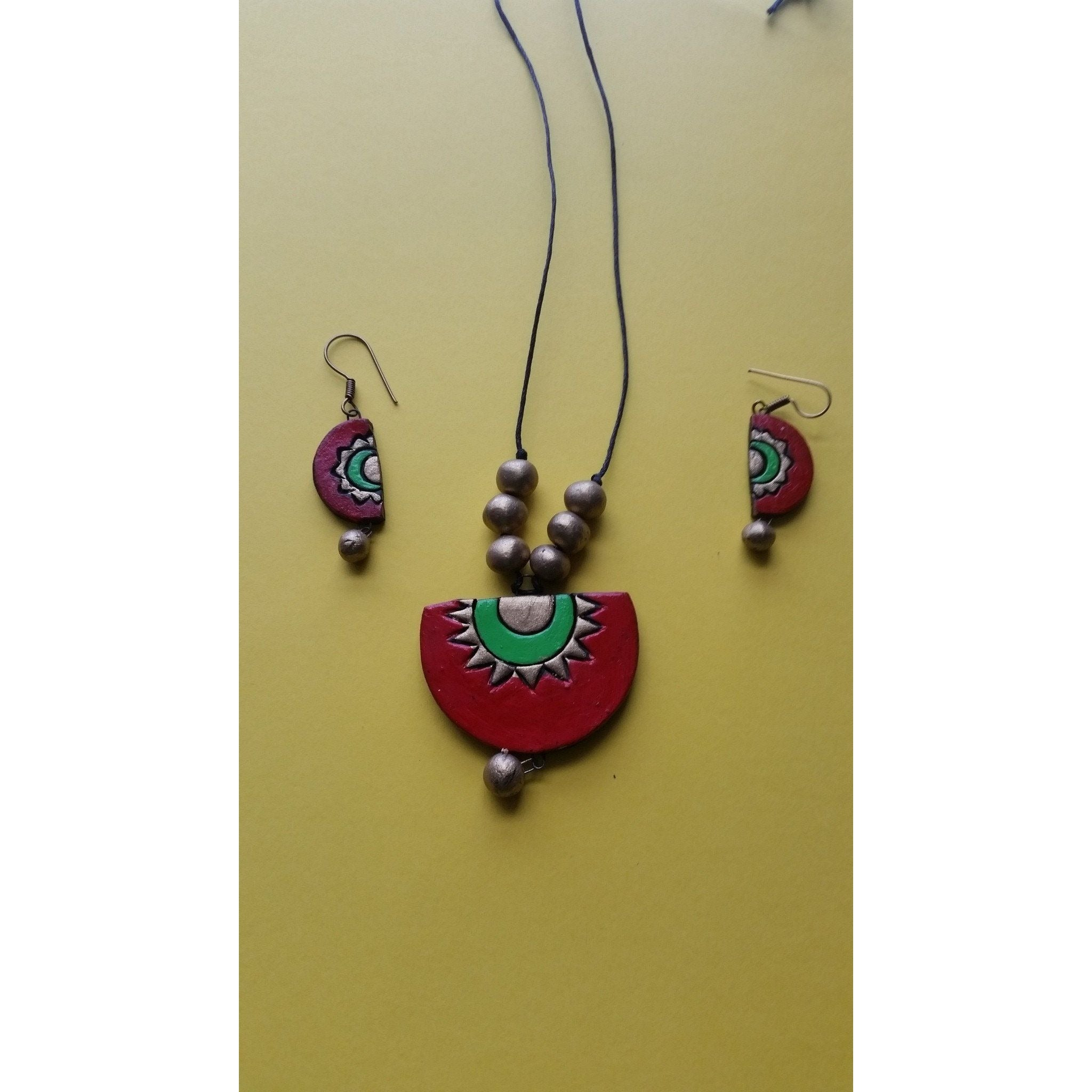 Handmade Terracotta Pendant Chain Set