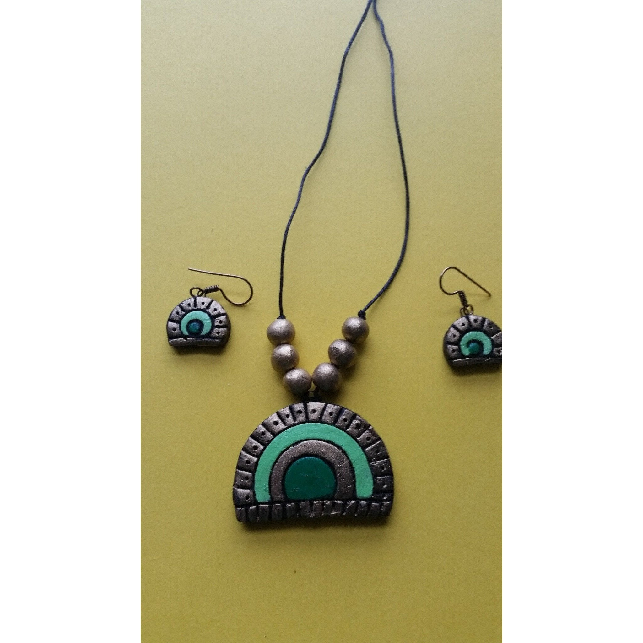 Handmade Terracotta Pendant Chain Set Green