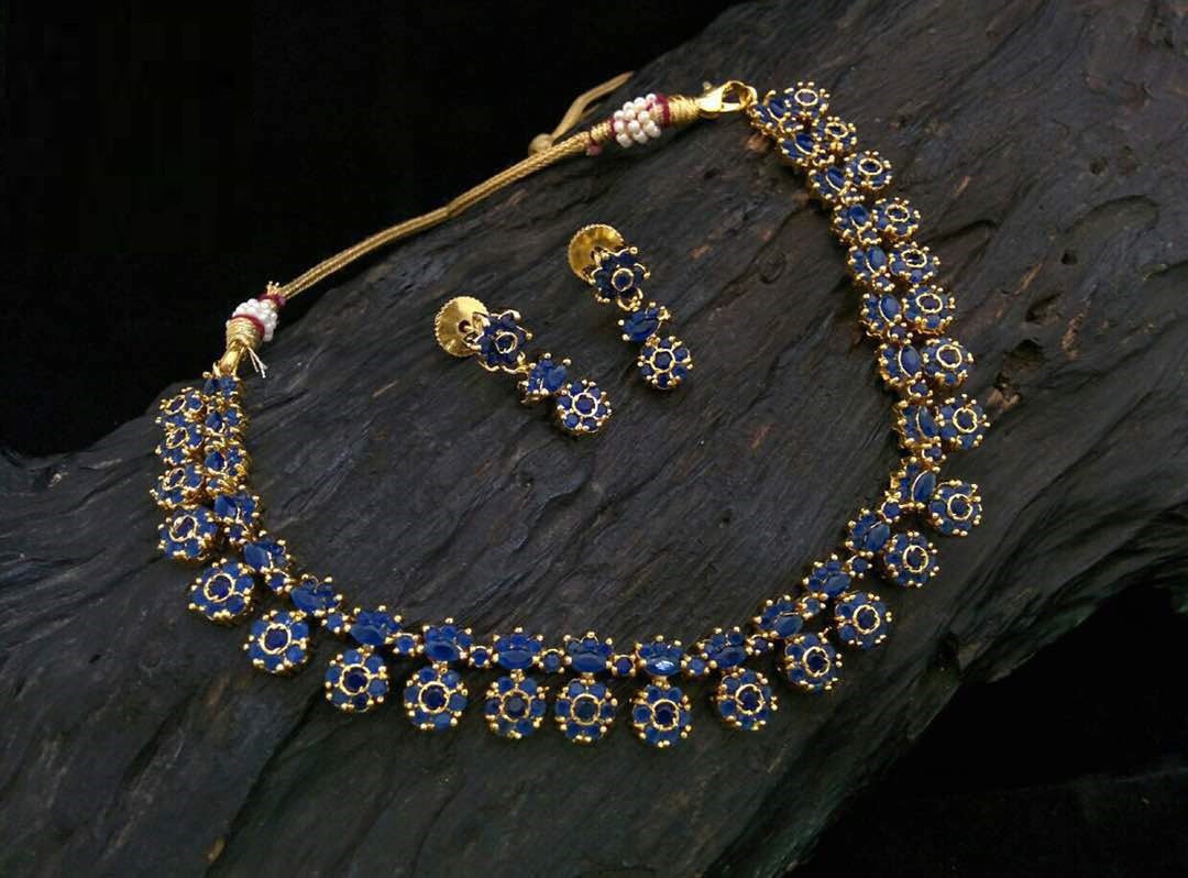 Elegant Dark Blue Cubic Zirconia Necklace with Drop Earrings