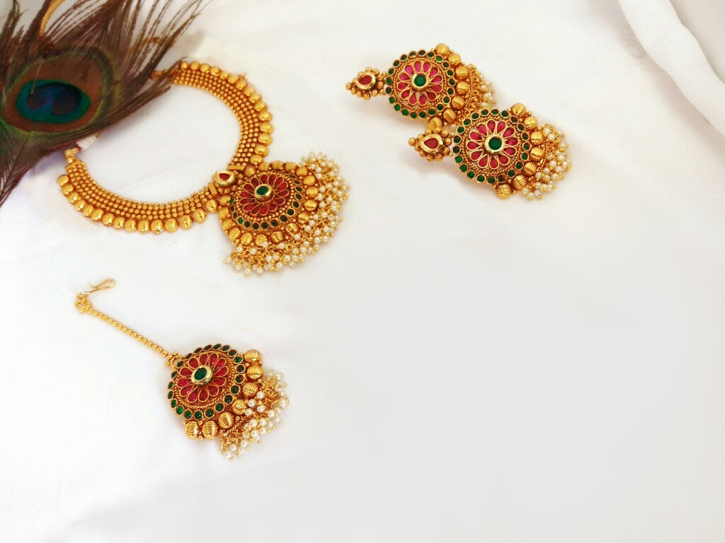 Designer Gunghru Necklace with Earrings and Maang Tikka