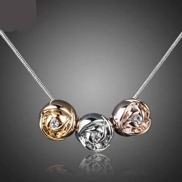 3pcs Roses Pendant Necklace
