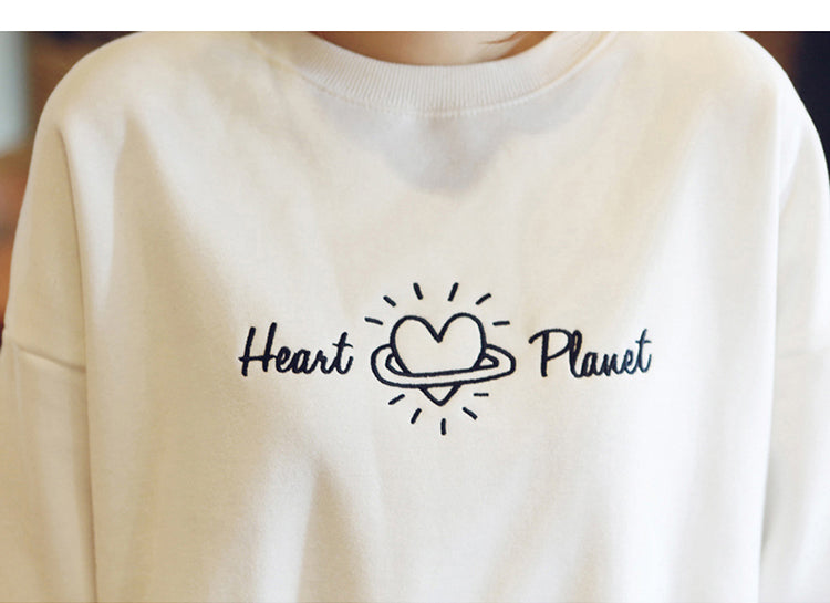 Heart Planet O Neck Pullover