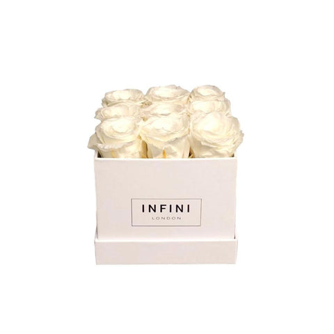 The Classic Cube - White - INFINI roses that last a year