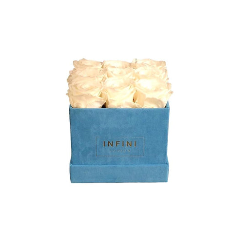 INFINI Cashmere Cube - Baby Blue - INFINI roses that last a year