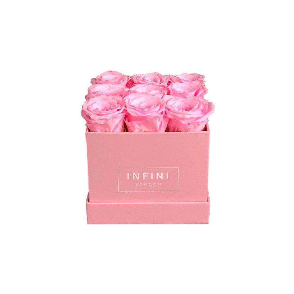 The Classic Cube - Pink - INFINI roses that last a year