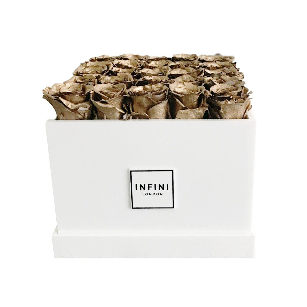 Signature Classic - Gold Roses - INFINI roses that last a year