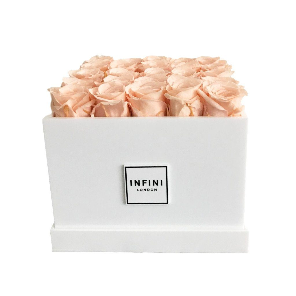 Signature Classic - Peach Roses - INFINI roses that last a year