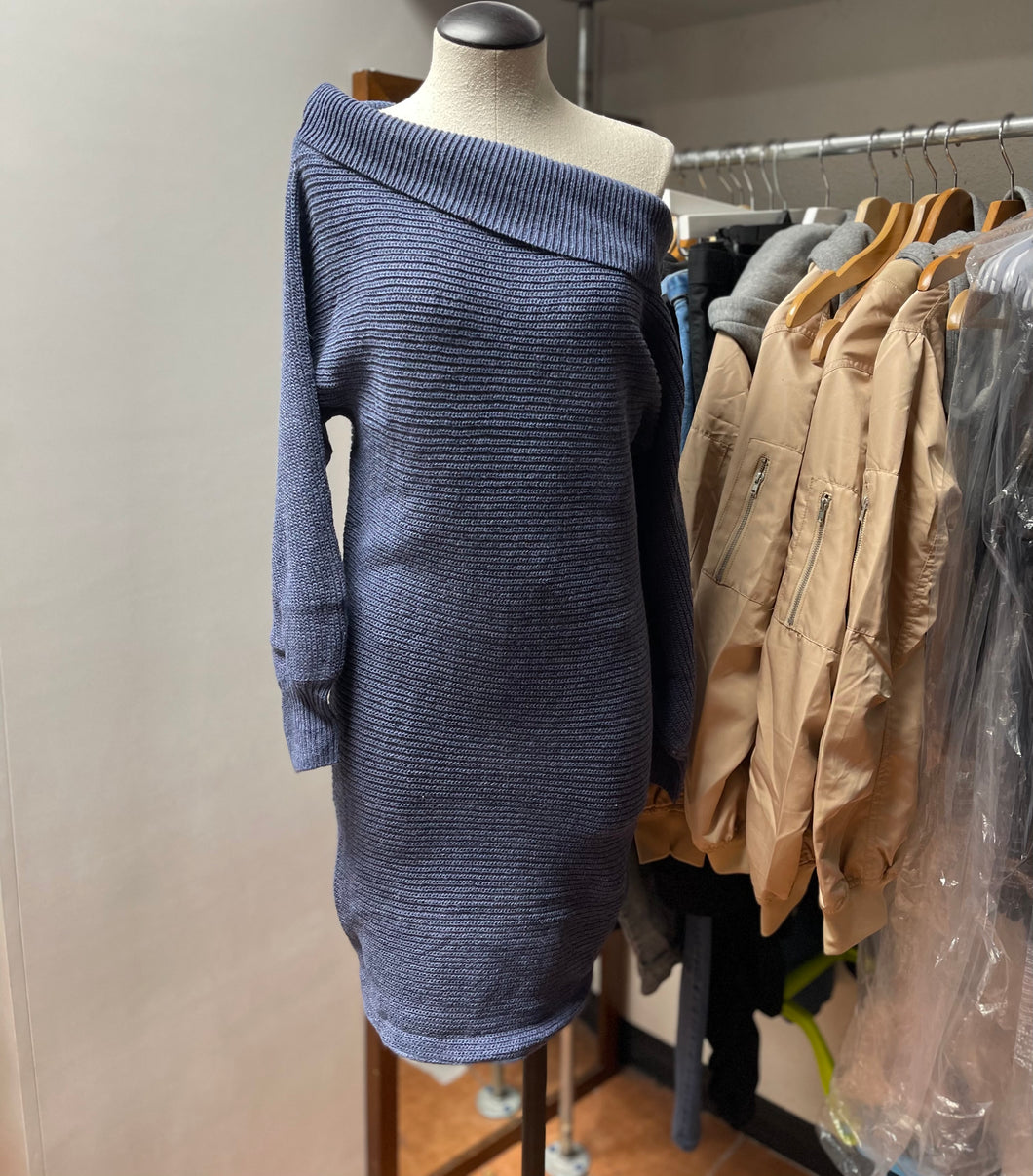 Sweater dress (blue)