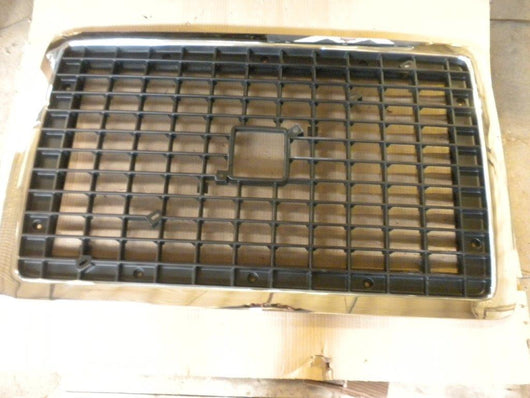 Volvo VNL Late Grille 2003 and up w/Bug Screen