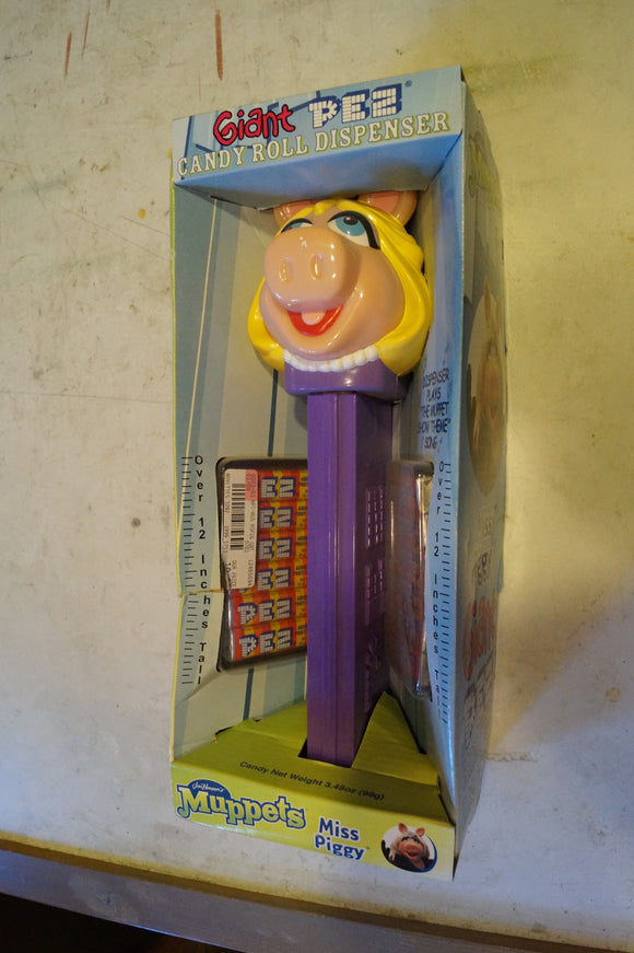Miss Piggy Giant PEZ