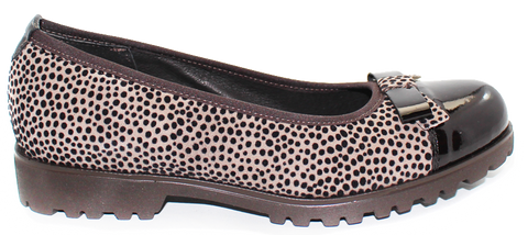 VERNISSAGE - Flat Suede Shoe with Leopard Print Pattern - KALENA's Shoes
