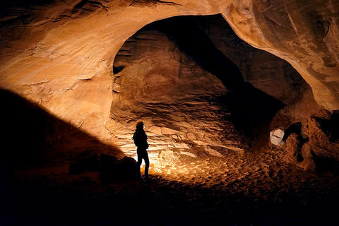 Sand_Dune_Arch_at_Night_with_Kogalla_RA