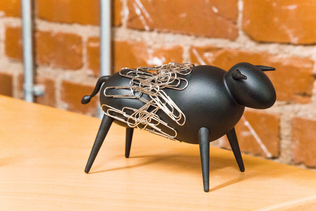 Magnetic Bull Paperclip Holder