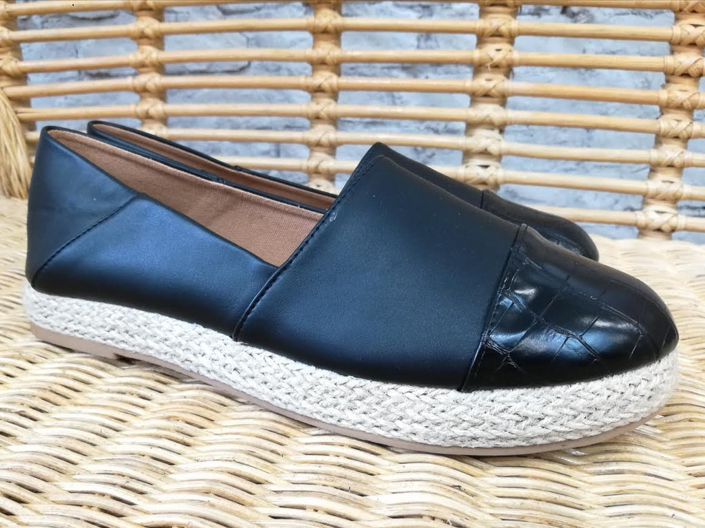 Black Flat With Jute Sole