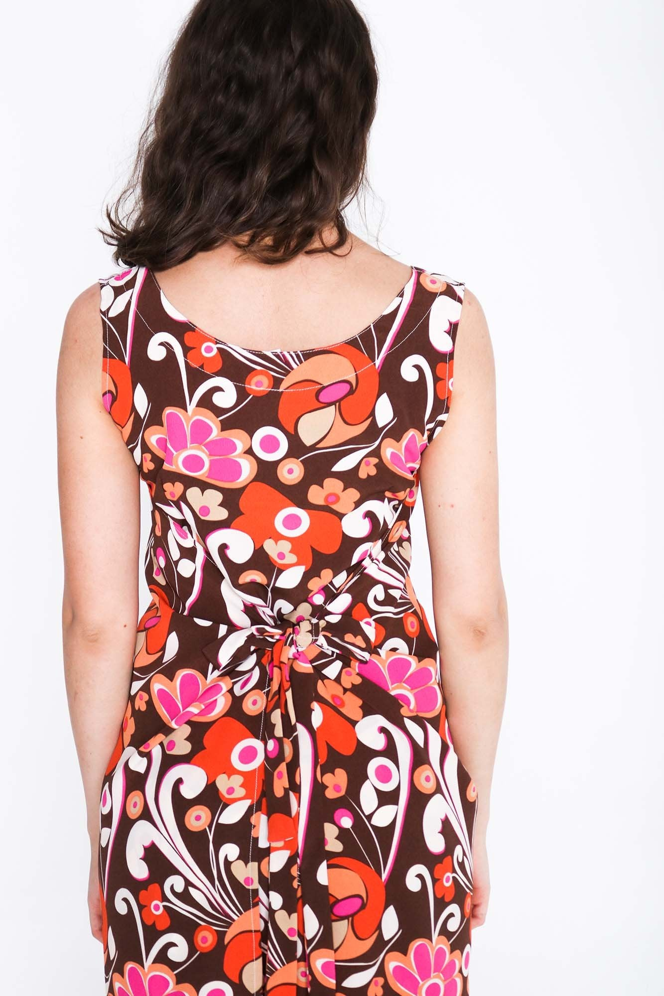 Retro Groove Fisher Dress - Back Close