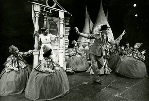 """Geoffrey Holder giving direction at a rehearsal of his award-winning production of """"The Wiz"""" in 1974. Photograph by Martha Swope. Geoffrey Holder/Carmen de Lavallade Collection, Rose Library at Emory University."""
