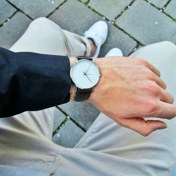 Sharp sleek casual watch for men genuine leather