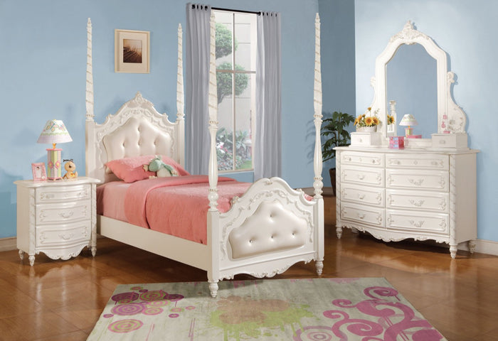 ACME Pearl Full Bed - Post & Tufted Pearl White - 10995F