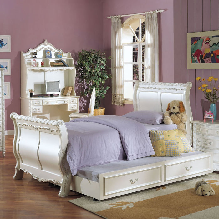 ACME Pearl Full Bed (Sleigh) Pearl White & Gold Brush Accent - 01005F